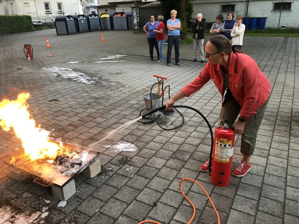 Feuerlöscher + Feuerdecke